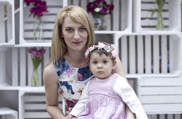 Jak krople wody :) zdjęcia z sesji MiniMe z okazji Dnia Matki. Mama - sukienka Pretty Girl, córeczka - wianek - Smyk, sukienka - MotherCare