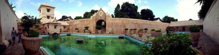 At Taman Sari. Ini merupakan tempat cagar budaya yang ada di daerah Yogjakarta, Indonesia. Tempat yang pada dulunya untuk pemandian para raja dan selir raja.