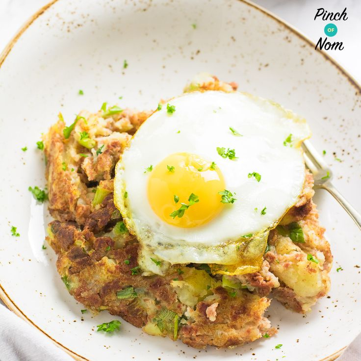 Sometimes the simplest recipes are the best. This 1 Syn Corned Beef Hash is a perfect comfort food if you're following the Slimming World Extra Easy plan.
