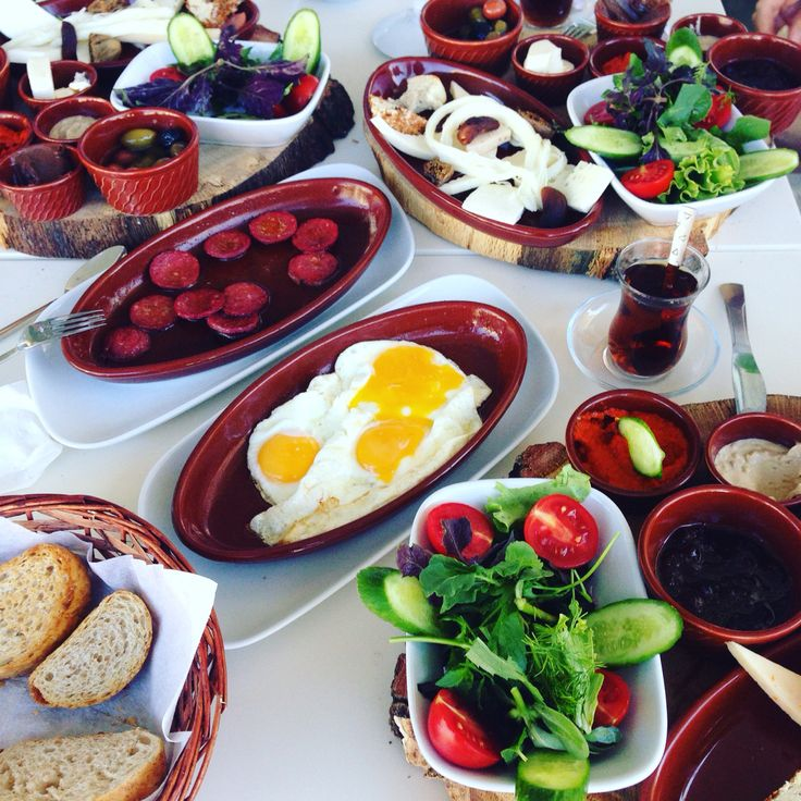 Kahvaltı sunumu