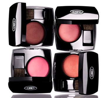 CHANEL blush. SO SO subtle. Very natural. And - smells like roses.