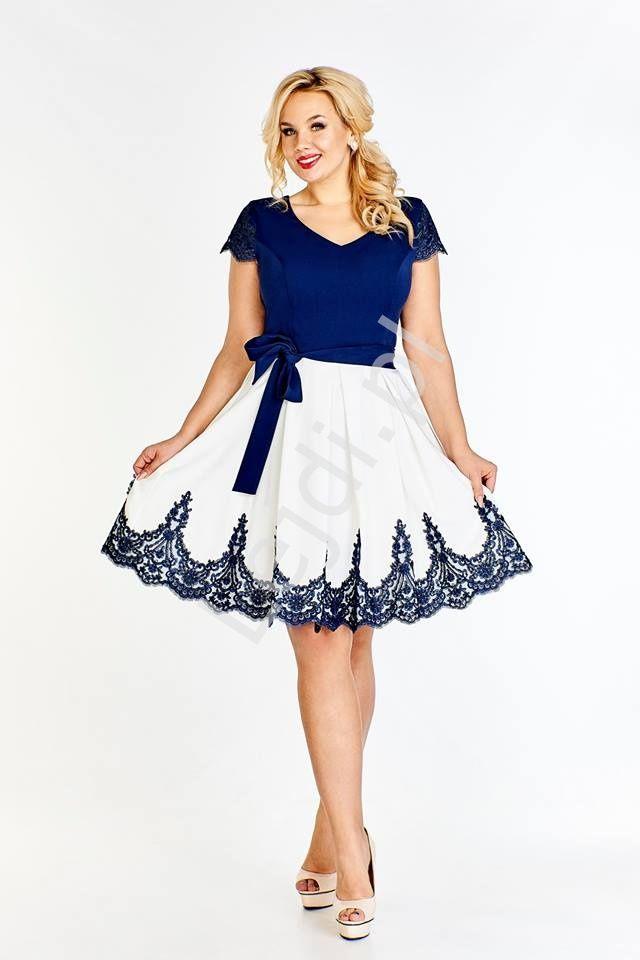 b2c17e9f26 Koktajlowa sukienka plus size biało granatowa. Sukienka duże rozmiary.  Sukienka na wesele. Sukienka na koktajlparty. Sukienka na urodziny.