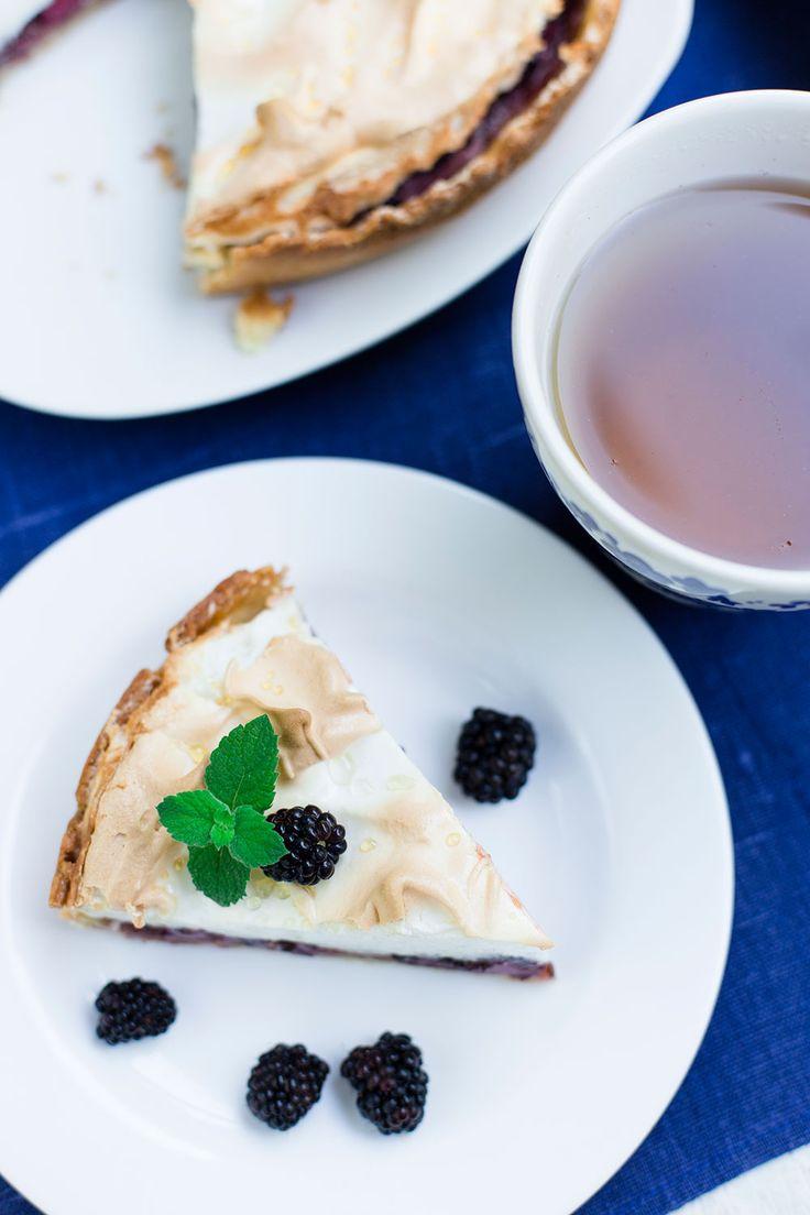 Пирог с ежевикой и меренгой от Чадейки.