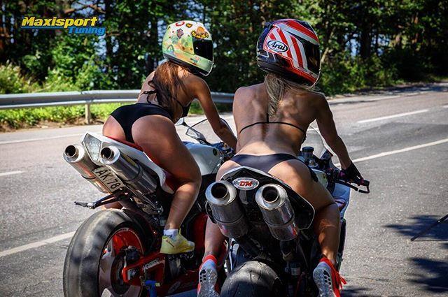 Много, в пятницу не бывает... Foto: Denis @doronin_studionw  #пятничныепопки #maxisportgirs  #pridemotorsport #maxisporttuning #knfilters #moto#trip #life#goodridge #friday #doronin#zenerenergy #bodyworkcenter #yamaha#r1#revoperformance #trackdays #fit#gridgirls #motofan#motogirl #saintpetersburg #autodromspb