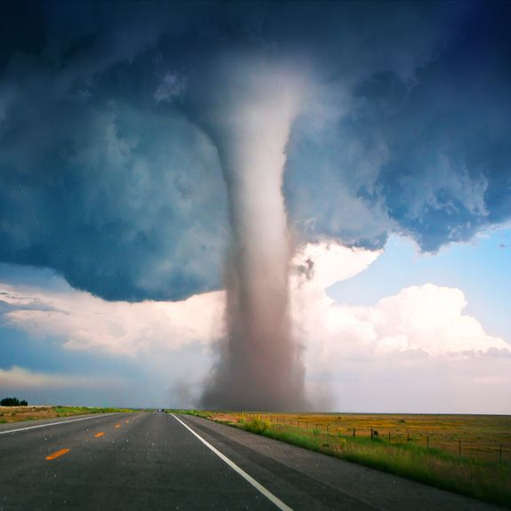 Campo tornado (Oklahoma, 2010) - About three quarters of all tornadoes take place in a part of the central United States known as Tornado Alley. The violent winds and funnel-shaped clouds are formed when warm, humid air from the Gulf of Mexico meets cool, dry air from the north, producing thunderstorms. The conditions create an average of 600 tornadoes per year. This 2010 tornado touched down in Colorado and swept into Oklahoma. (Image: © Willoughby Owen)