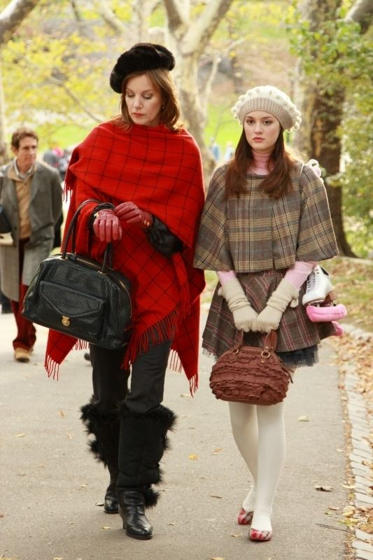 """Margaret Colin And Leighton Meester In """"Roman Holiday"""" (S1:E11)   25 Amazing Fashion Moments On """"Gossip Girl"""""""