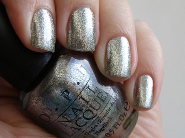 !Gold Nails, Nails Colors, Eye Colors, Silver Nails, Royal Shinee, Silver Polish, Metals Nails, Nails Polish, Nailedit