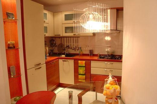 Оранжевый интерьер квартиры-студии | fotodesigna.ru