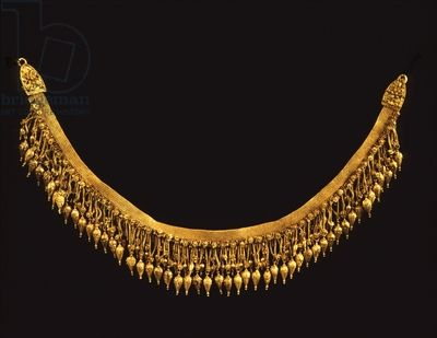 Necklace, probably from Trebizond, Black Sea region, late 4th century BC (gold) 4th century BC) - Bridgeman - Art, Culture, History