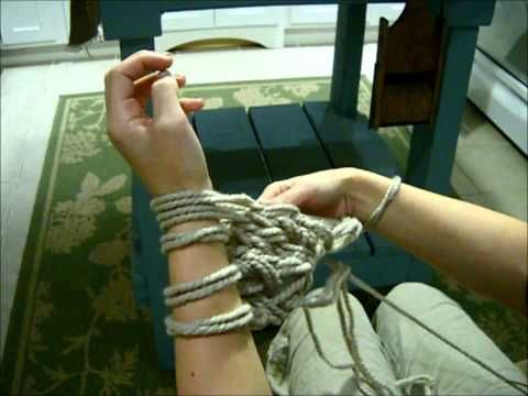 How to Arm Knit - The Fastest Way to Knit a Chunky Scarf! UPDATED