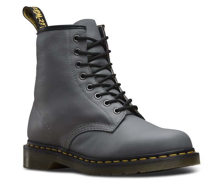 The 8-eye 1460 boot is as iconic today as was when it rolled off the production line in the 60s, so we've updated it in oily full grain leather with natural tumbled texture, on top of our signature air cushioned sole. Our Reinvented range takes classic Dr. Martens styles and customises them, playing with their history to create something new every season.