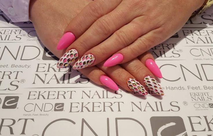 Pink LoveME Playboy, White Alabaster and gold foil. Perfect girl manicure.  Shellac, Vinylux, CND.  #ekert #nails