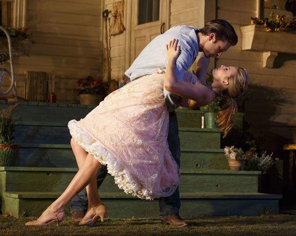 """Мэгги Грэйс рассказывает о ее дебют на Бродвее в """"Пикник"""" - Мэгги Грейс Бродвей для пикника - Elle"""