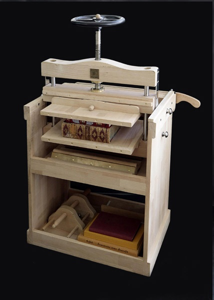 """BOOKBINDING PRESS """"7 in ONE"""", from Omnia Libris"""