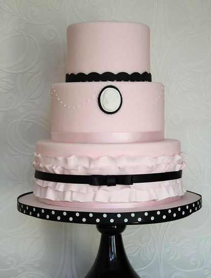 really love the pink wedding cakes