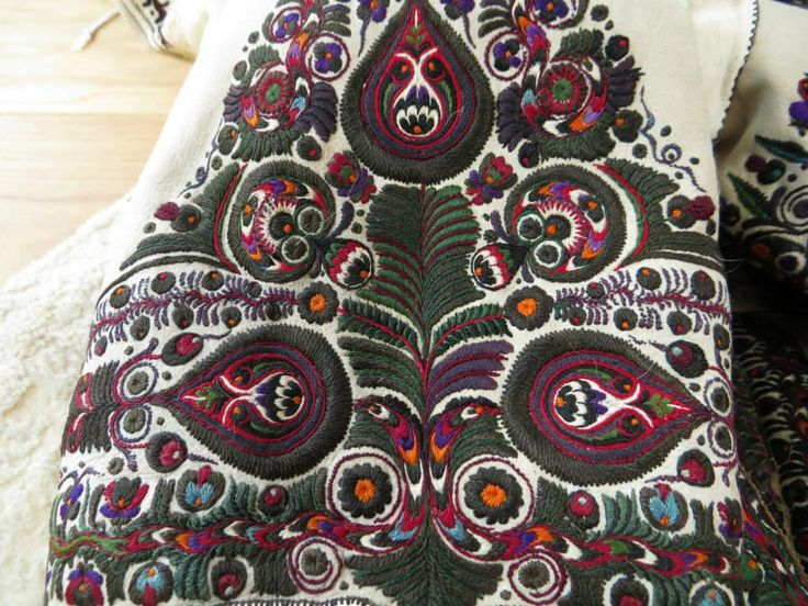 Embroidered sleeve on leather Photo credit: Linda Teslik