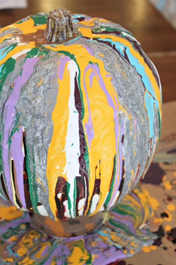 {Drip Paint Pumpkins} This activity only looks messy, it's really lots of fun and great for kids of all ages