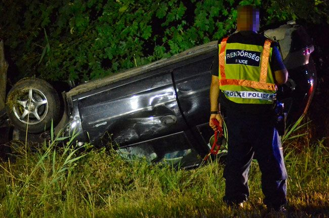 A motor is kiszakadt a gépkocsiból | baon.hu | Kék hírek, bulvár | Bács-Kiskun megyei hírek