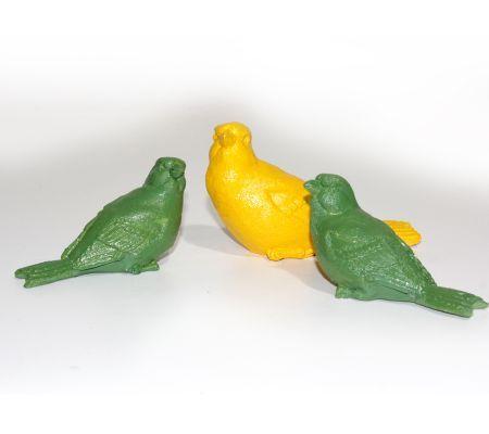 3'lü Biblo KuşlarYeşil kuşlar 9X6 cm ebatlarında, sarı kuş 11X7 cm ebatlarındadır. El boyaması 3'lü biblo kuş takımı. -İstenilen renk ve desende yapılabilir.