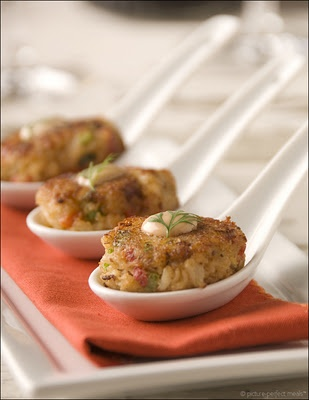 ... Night Snack, Canapes, Appetizer. Crab Cake Bites with Spicy Rémoulade