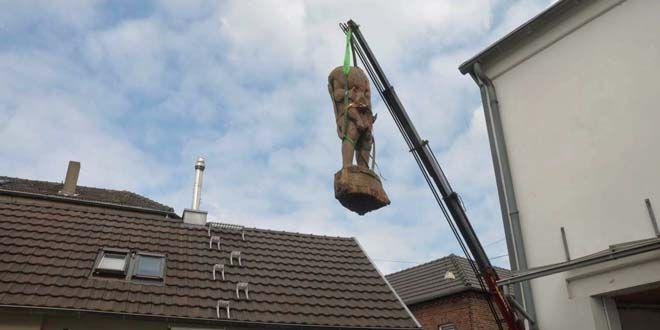 Das Bundesamt für magische Wesen gibt dem Denkmal für Hagen von Tronje ein neues Zuhause und weist auf die Umweltschutzbestimmungen für Drachen hin.