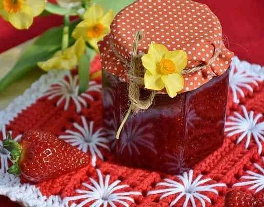 Homemade #strawberry #jam recipe. Easy to make and sugar free