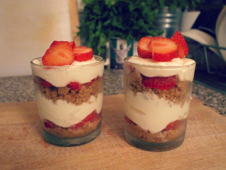strawberry cheese cake trifle