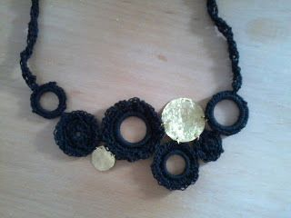 art by tasha: crochet neclace!!!just amazing....
