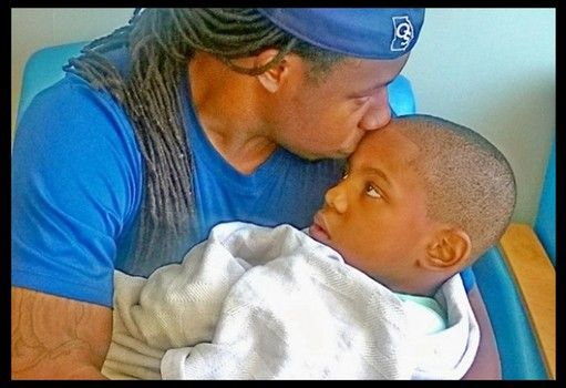 Adrian Peterson's son dies from brain cancer at age 6: NFL'er shares AJ's death