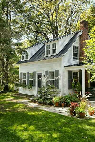 Such a pretty house! In love!