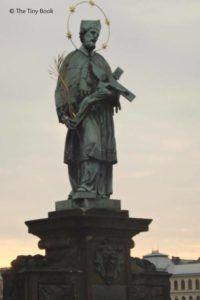 Prague. John of Nepomuk and first sun rays.