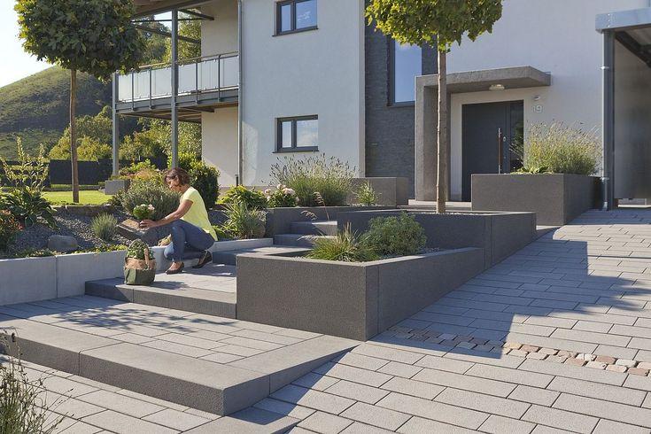 Etapas de bloco imediatamente disponíveis no estoque de blocos de concreto e pedras naturais Rinn – Rin …   – Garten