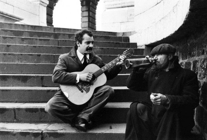 Robert Doisneau // Georges Brassens, métro Glacière, Paris 1953. ( http://www.gettyimages.co.uk/detail/news-photo/france-georges-brassens-in-1953-news-photo/121516876