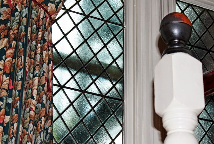 #antik #viktoriánus #hotel #furnitureTÉRKOMPONÁLÓ: Egy hotel és viktoriánus bútorai