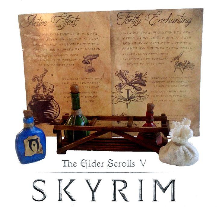 Répliques: Fioles et potions + fiches alchimiste + Sac herbes sèches + caisse en bois. Du jeu The Elder Scrolls: Skyrim- : Sculptures, gravures, statues par figurinesheros