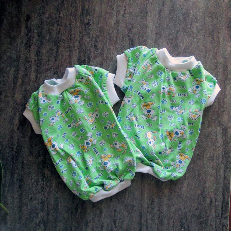 В наличии @4petskz Маленьких собак летняя одежда защищает от травы, 🌾которая может резать живот, и пыли во время прогулок вдоль дорог. 🐕 На шерсть длинношёрстных собак часто налипают семена, веточки, листья 🍃 и иной мусор, который приходится потом удалять.  📌 Футболка на фото в наличии Стоимость 1 000 тенге   #караганда #krg #одеждадляживотных #одеждадлясобак #одеждадлясобаккараганда #товарыдлясобак #товарыдляживотных #зоомагазин #футболкидлясобак #собака #животные #собакакараганда