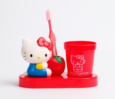 Look forward to tooth brushing time with Hello Kitty!