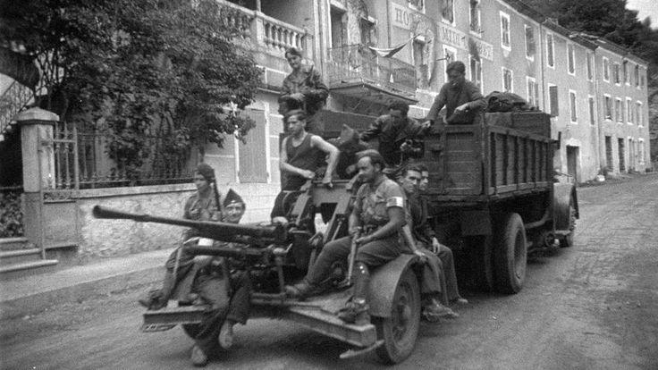 Juin-juillet 1944. Maquis du Vercors. Le lieu dit « Les Barraques » est un des point de passage au maquis du Vercors que la résistance contrôle. Ce canon de 25 mm est le seul dont les maquisards disposent.