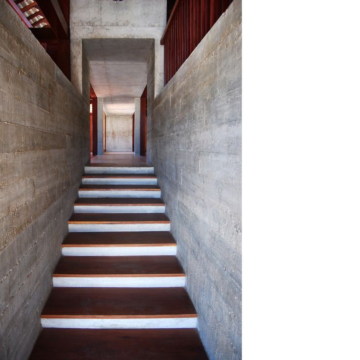 Behbahani Hall Architects / Beach House Preà, Brazil / Entrance staircase, exposed concrete, timber