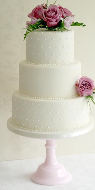 3 Tier polka dot and fresh flower wedding cake, www.cupcakemama.co.uk