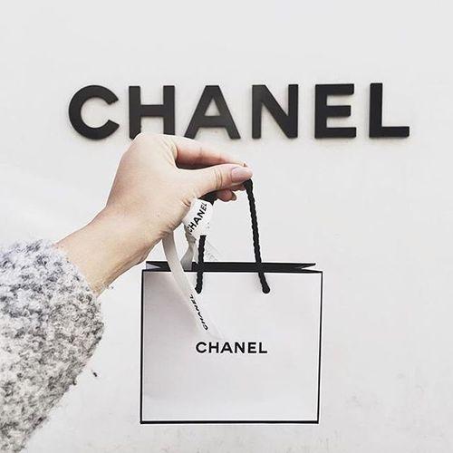 Imagem de chanel and fashion