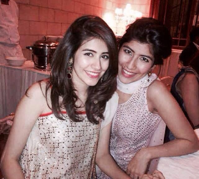 syra yousuf and palwasha yousuf pictures