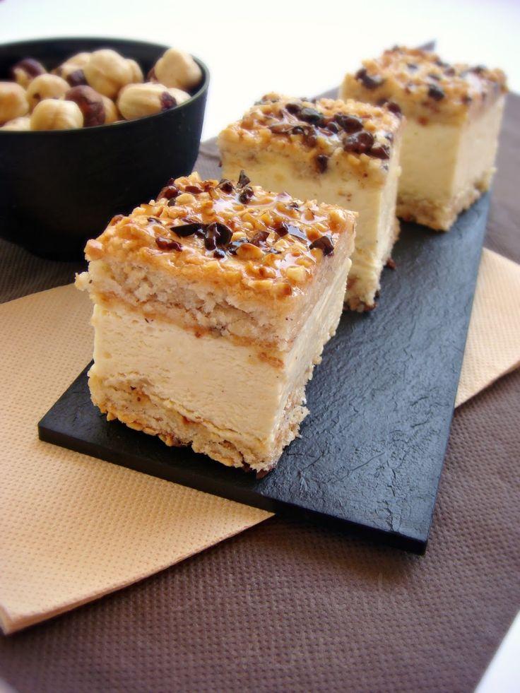 Ciotole e piattini CHS Group    Un dolce noccioloso fantastico, si può fare in versione torta rotonda, quadrata o in trancetti mignon, ...