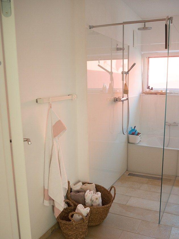 Unser Familien Badezimmer Das Muss Drin Sein Das Kann Man Weglassen More Is Now Badezimmer Baden Dusche