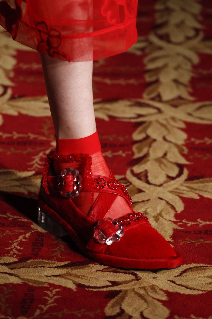 Simone Rocha Fall 2016 Ready-to-Wear Fashion Show Details