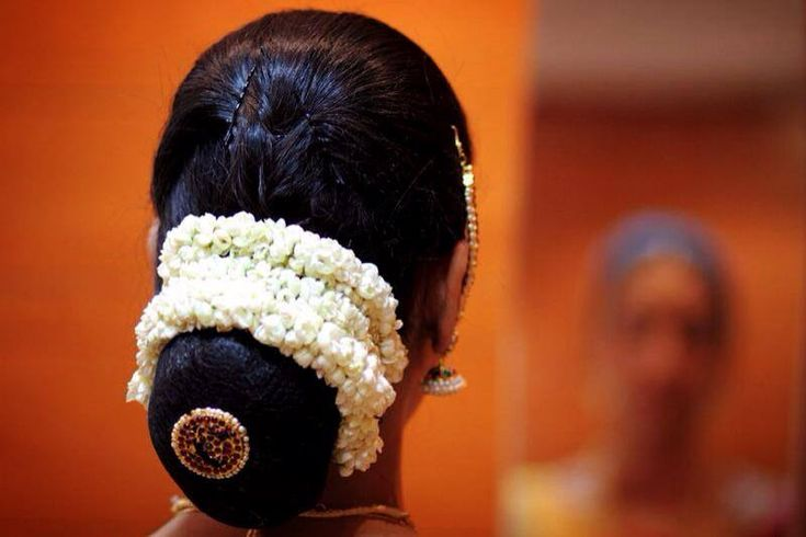 Pin By Swank Studio On Indian Bridal Hairstyles Indian Bridal Hairstyles Bridal Hair Buns Indian Hairstyles