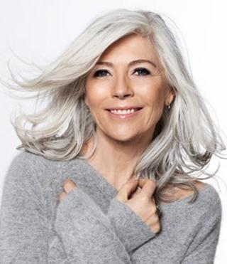 cheveux blancs femme