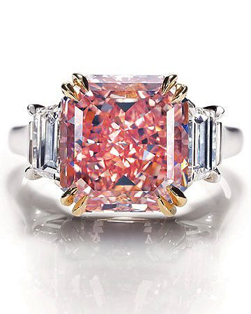 Harry Winston pink diamond. Oh my goodness I love this! Beautiful!! I don't know why I love this so very much but I do!!