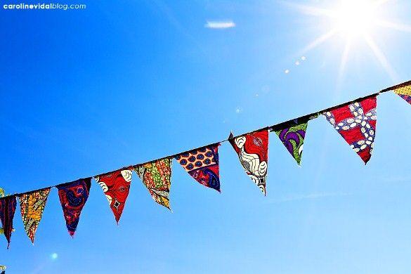 Pourquoi toujours du liberty ? Des fanions en tissu africain, ça rend super bien aussi ! :)