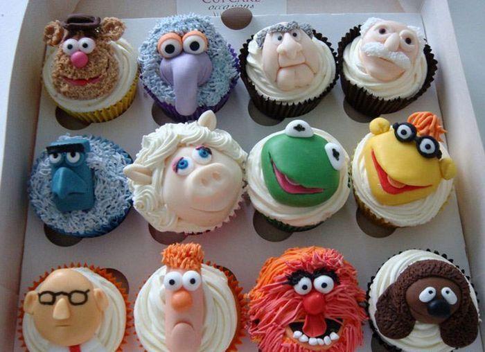 love! fondant muppet show cupcakes